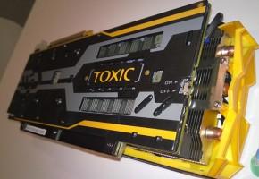 Sapphire R9 290X TOXIC 8GB (2)