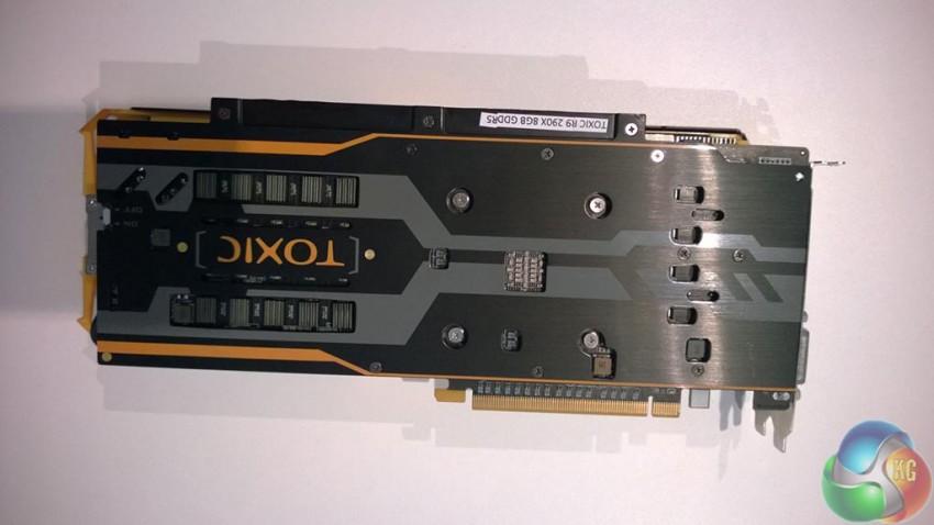Sapphire R9 290X TOXIC 8GB (3)