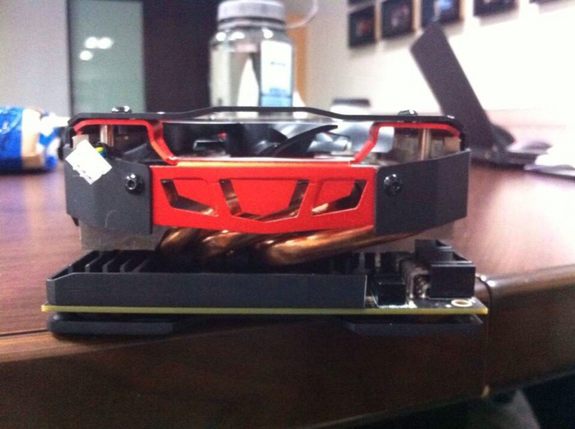 PowerColor R9 295X2 Devil13 (2)