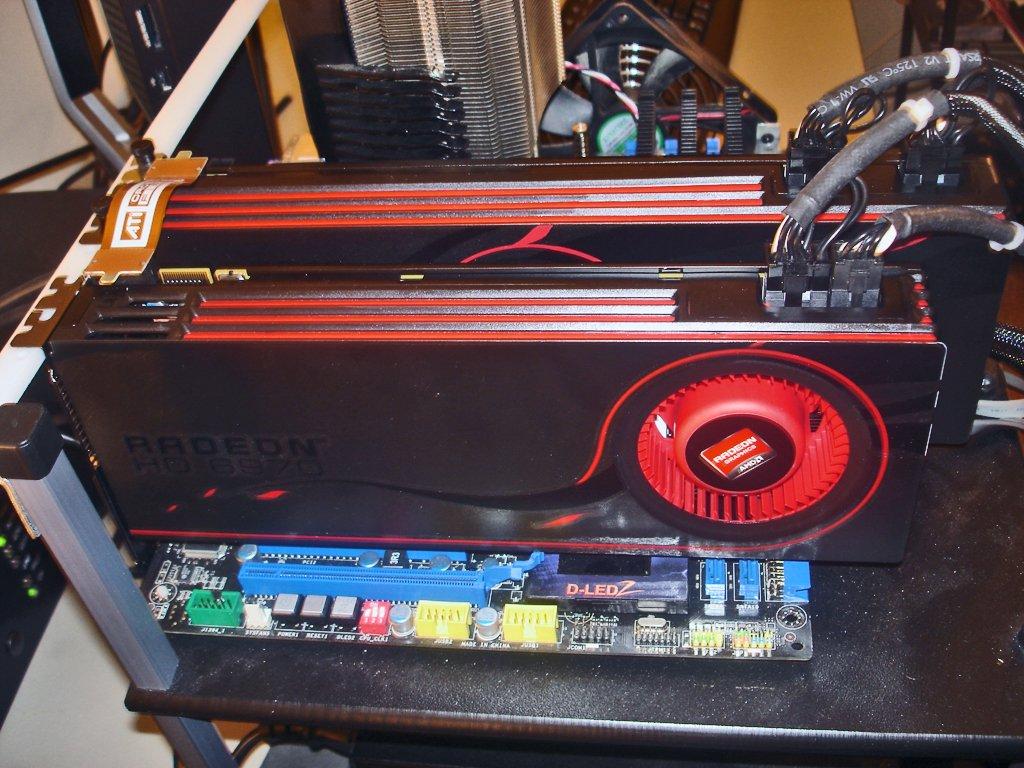 Amd Radeon Hd 6970 Crossfirex Foto S: AMD Radeon 6990 & 6970 CrossFireX Review @ HardOCP