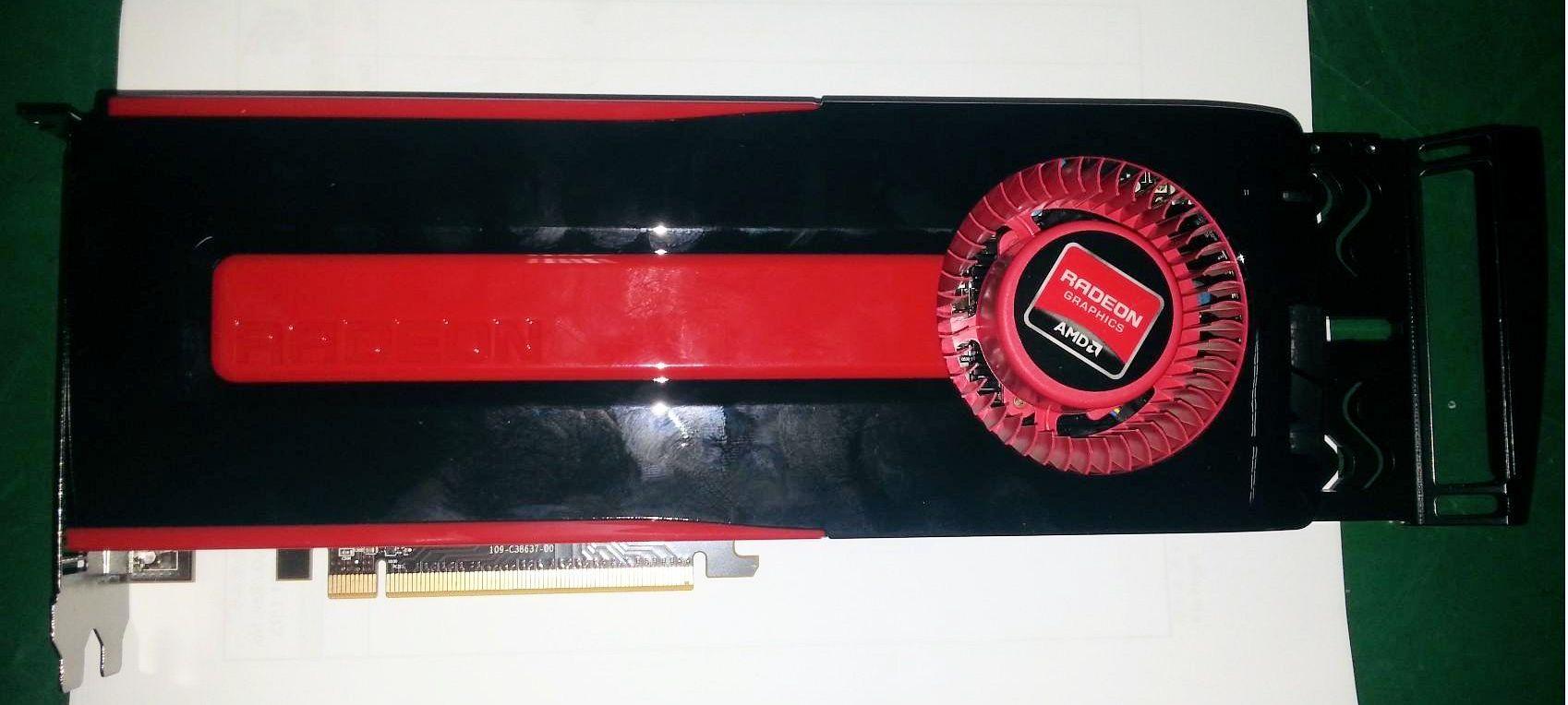 Radeon HD 8950 OEM (4)
