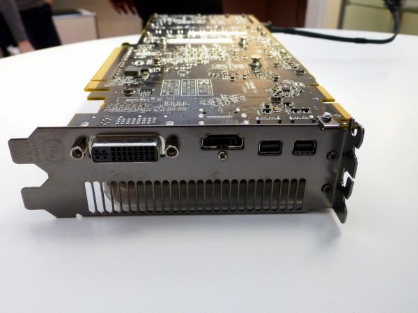 Sapphire HD 7950 Mac Edition (6)