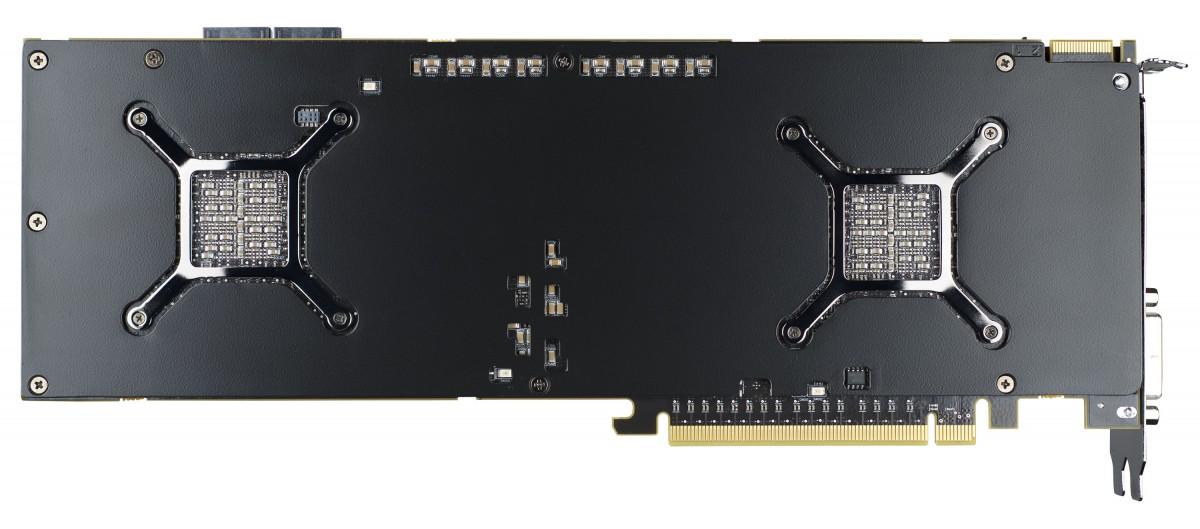 Sapphire HD 7990 (5)