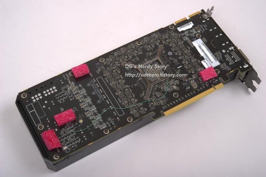 AMD Radeon R9 290X New (2)