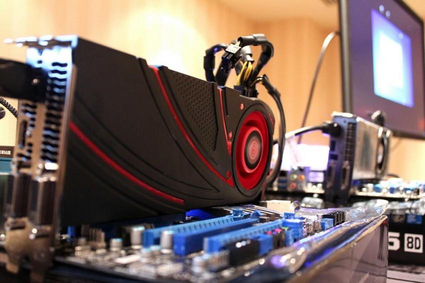 AMD R9 290X vs GTX 780