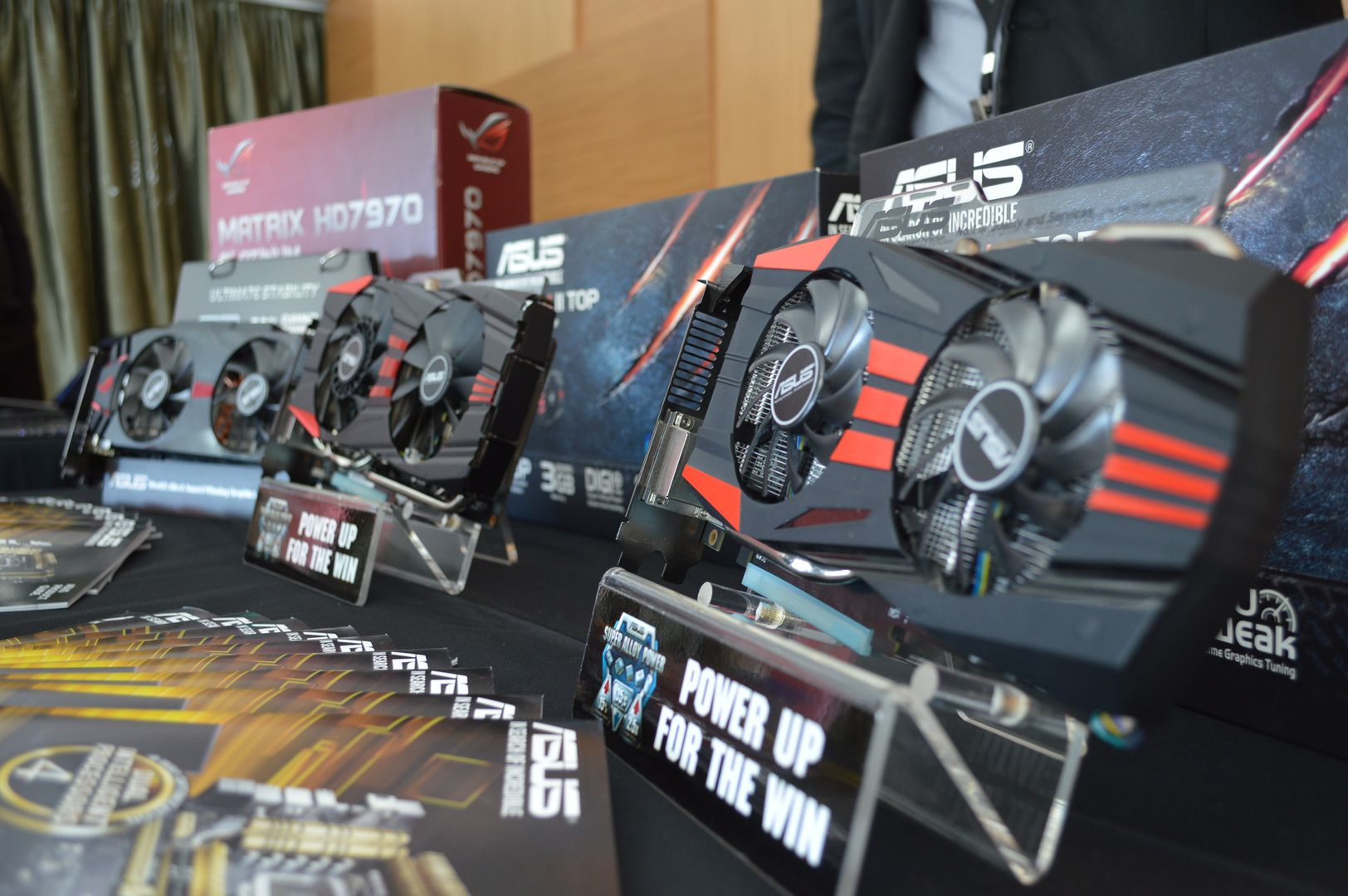 ASUS, HIS, MSI, Sapphire, PowerColor and Gigabyte R9 200 lineups