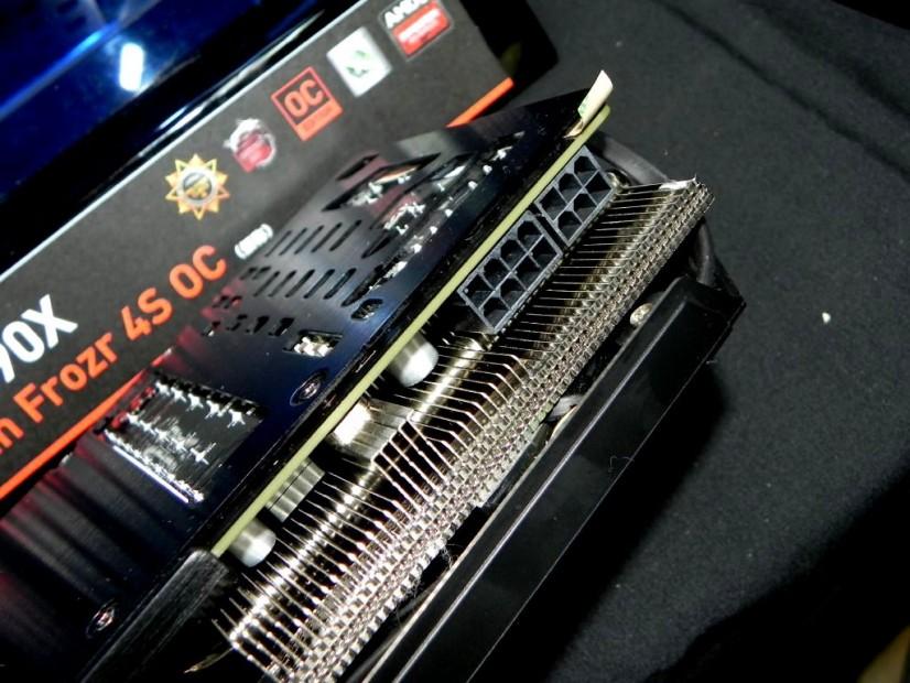 MSI Radeon R9 290X Twin Frozr 4S OC (3)