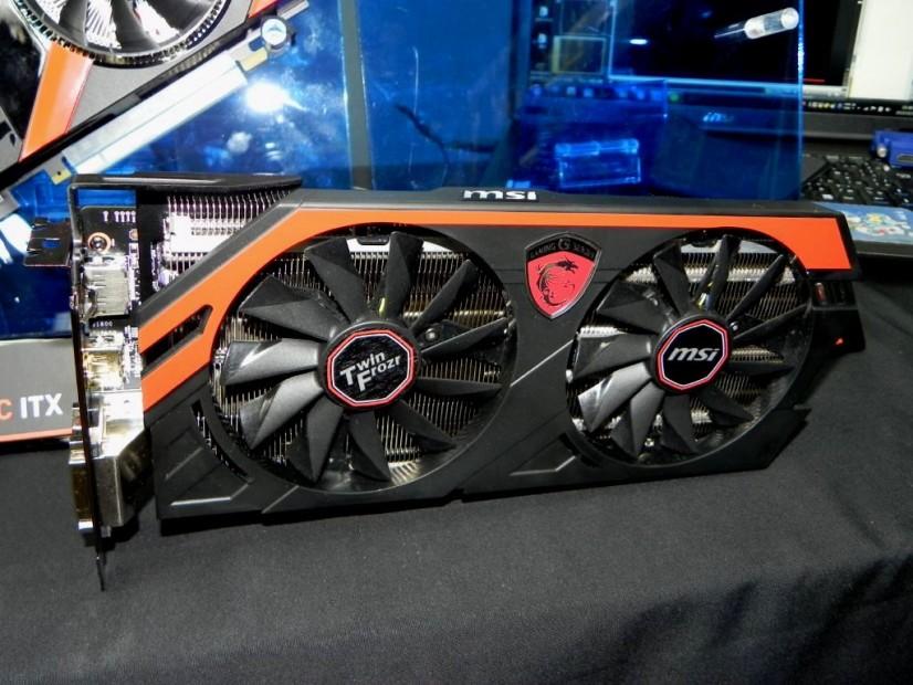 MSI Radeon R9 290X Twin Frozr 4S OC (7)
