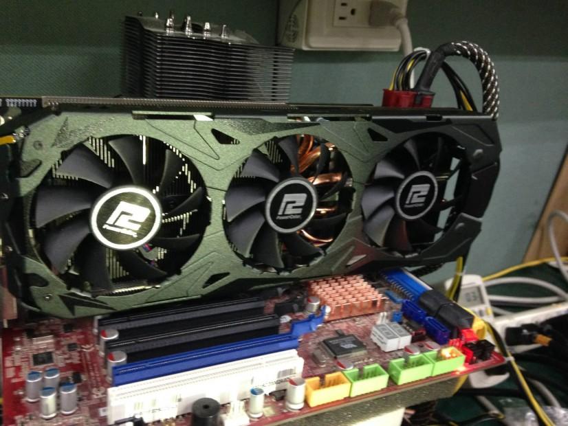 Powercolor-Radeon-R9-290X-PCS+-_2
