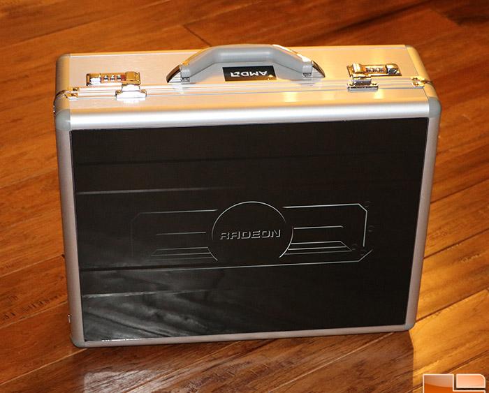 AMD Radeon R9 295X2 briefcase (2)