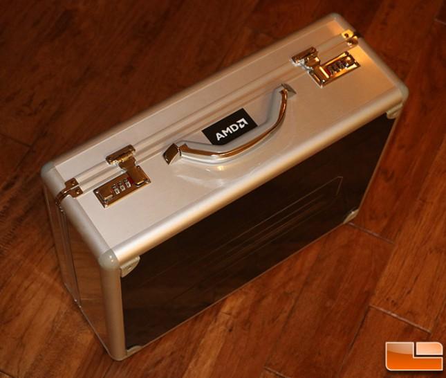AMD Radeon R9 295X2 briefcase (3)