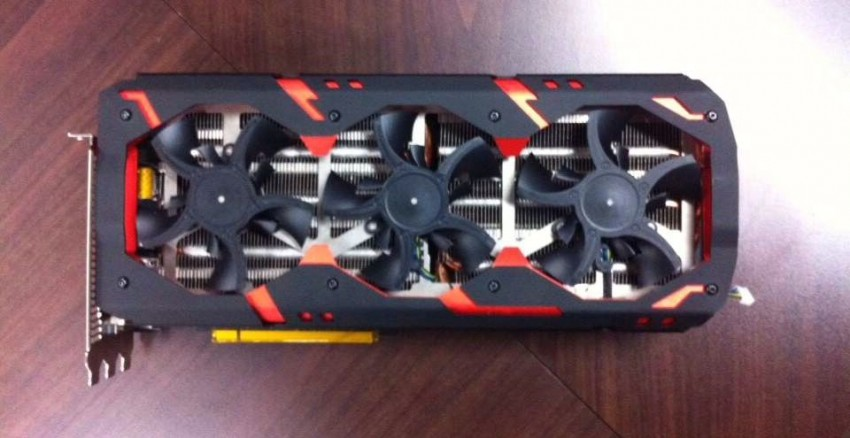 PowerColor R9 295X2 Devil13 (3)