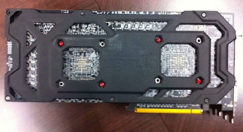 PowerColor R9 295X2 Devil13 (4)