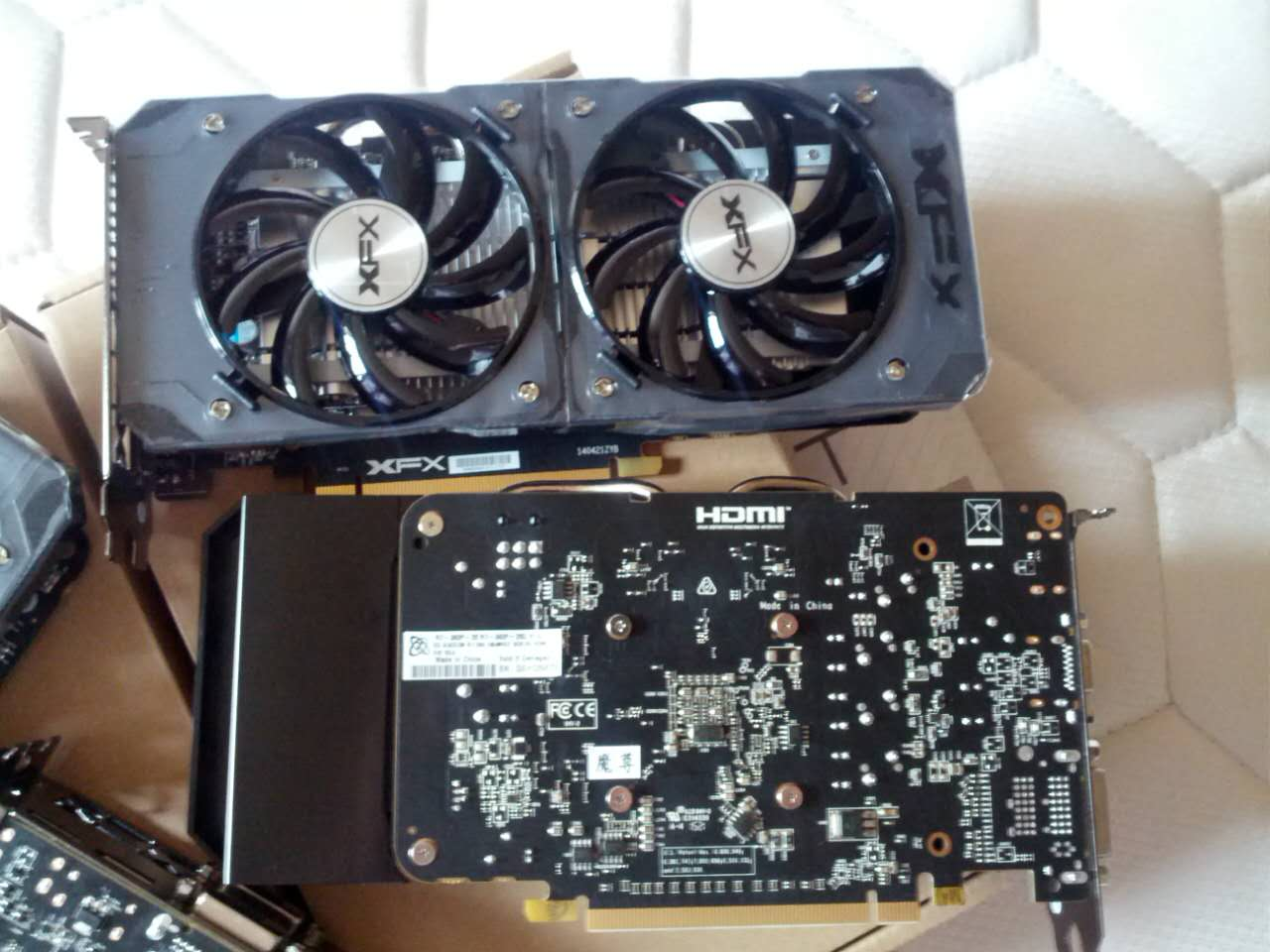 Xfx Radeon R9 380 And R7 360 Spotted In The Wild