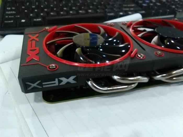 XFX R9 380X (2)