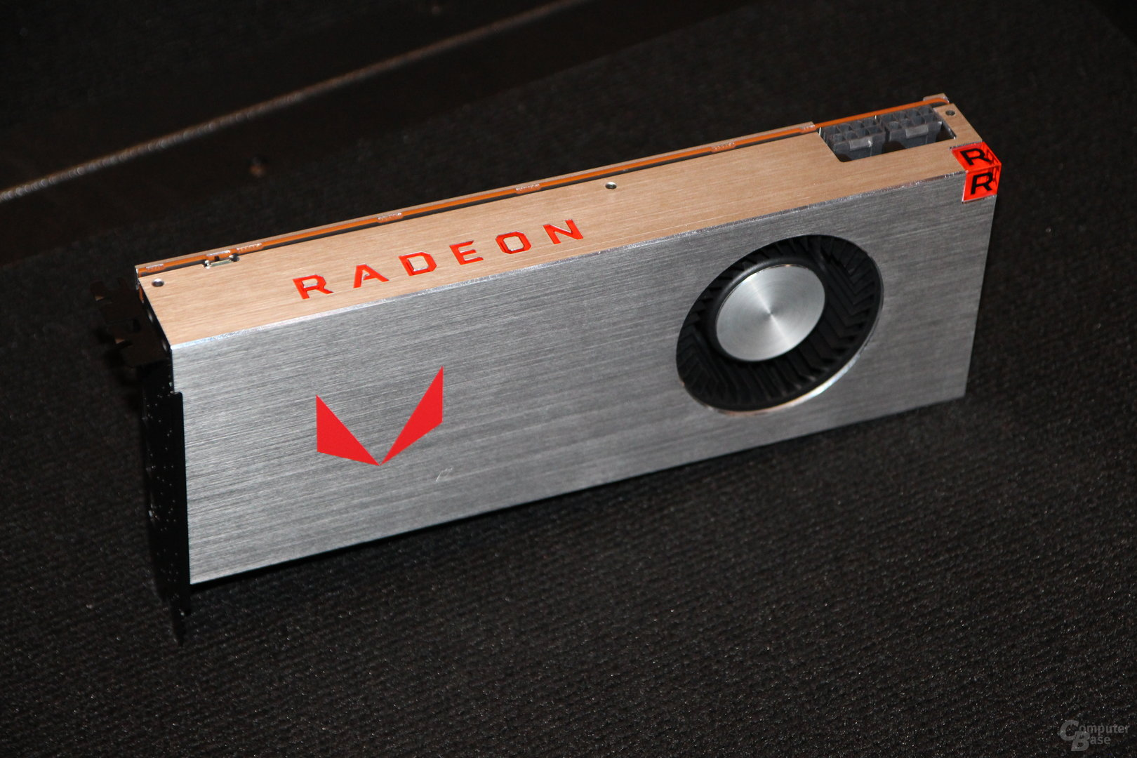 Amd Radeon Rx Vega 64 Limited Edition And Liquid Edition Launch Gallery Videocardz Com