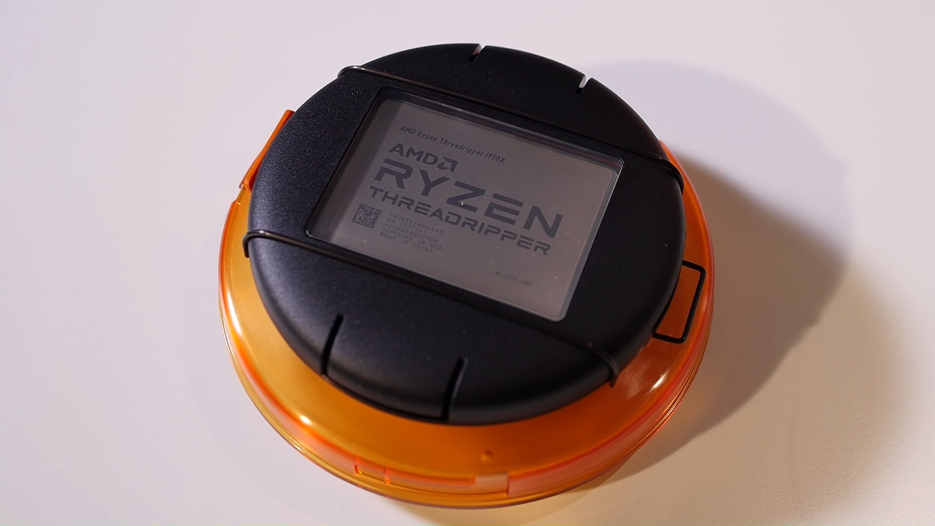 First Ryzen Threadripper review kit unboxing | VideoCardz.com