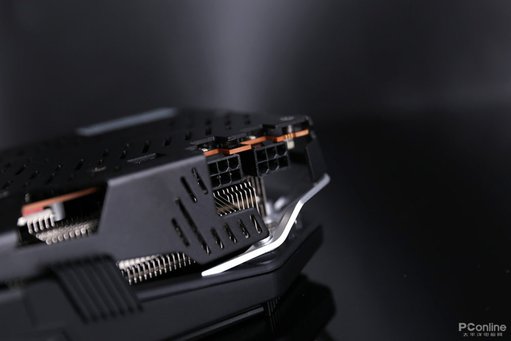 https://cdn.videocardz.com/1/2019/08/Custom-XFX-Radeon-RX-5700-XT-2-1000x667.jpg