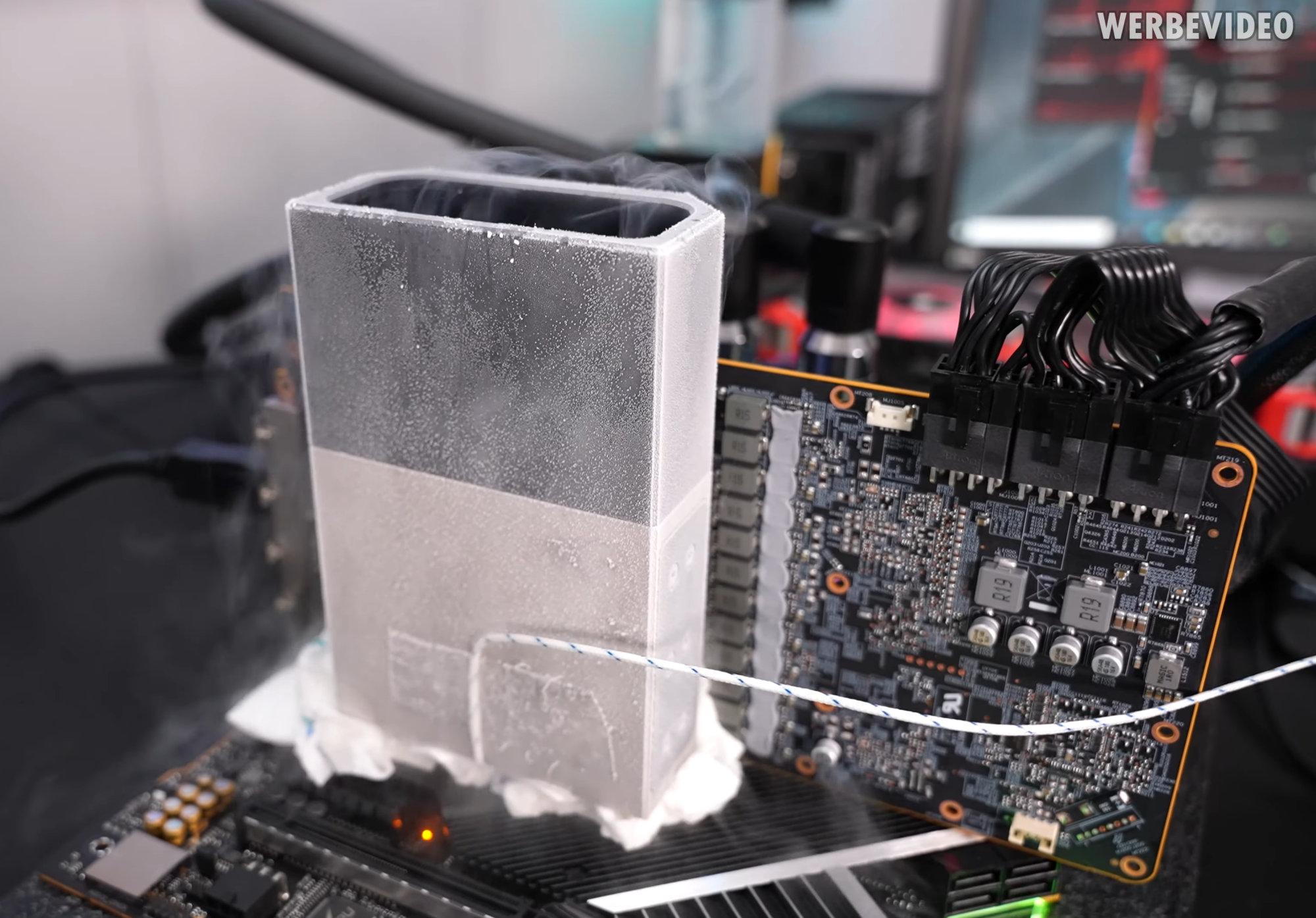 Видеокарта Radeon RX 6900 XT достигла частоты 3,2 ГГц в руках оверклокера Der8auer